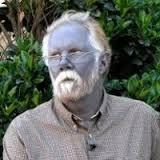 Кто обладает голубым цветом кожи