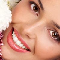 Белоснежная улыбка с помощью макияжа