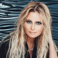 Дана Борисова не успев развестись, получает признания в любви