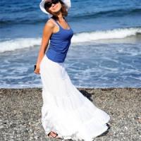 Почему женщине важно носить юбку или платье