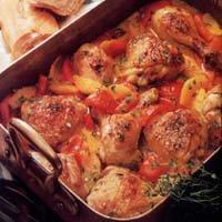 Куриные ножки в томате, персиковый пирог и летний коктейль